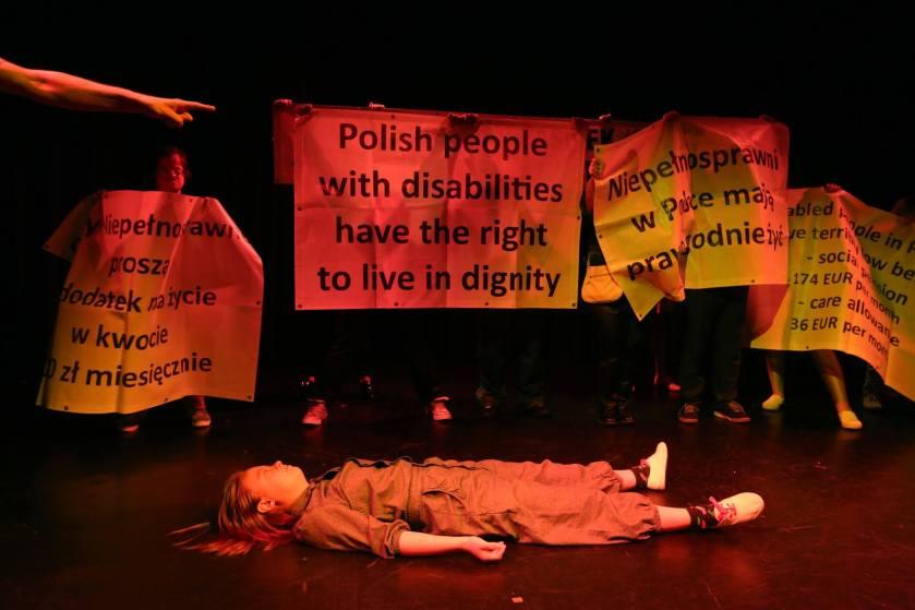 Teatr-21-Rewolucja-ktorej-nie-bylo-fot-Grzegorz-Press-8